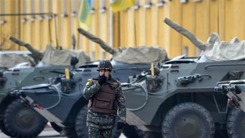 Ukraine hỗn loạn: Bắt đầu chảy máu kho vũ khí
