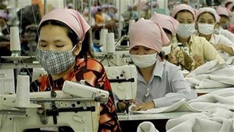 Kinh tế Campuchia bứt phá, Việt Nam tăng trưởng khiêm tốn