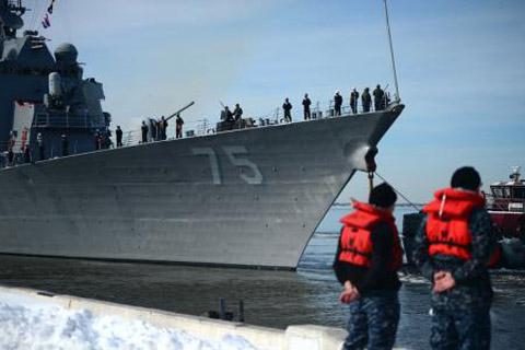 """Phát ngôn viên Lầu Năm Góc, Đại tá Steven Warren xác nhận, tàu khu trục Donald Cook được trang bị công nghệ chiến đấu Aegis và tên lửa hành trình Tomahawh có mặt tại Biển Đen để """"thực hiện công tác hỗ trợ cho các đồng minh trong khu vực""""."""