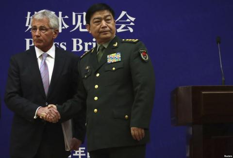 Bộ trưởng Quốc phòng Mỹ Chuck Hagel và người đồng cấp Thường Vạn Toàn