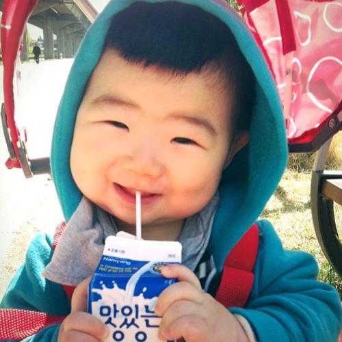 Cậu nhóc người Hàn Kka Moong