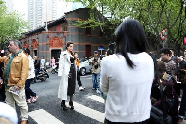 Không chỉ thành công trong công việc, Hà Hồ còn được ngưỡng mộ bởi thái độ làm việc chuyên nghiệp, nghiêm túc và cuộc sống gia đình hạnh phúc, viên mãn bên doanh nhân Cường Đô la cùng con trai Subeo.