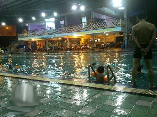 Nhiều hồ bơi mở cửa đến tối và đó là thời điểm thích hợp để kẻ xấu lộng hành