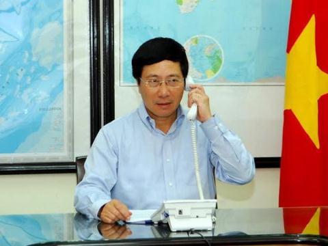 Phó Thủ tướng, Bộ trưởng Bộ Ngoại giao Phạm Bình Minh điện đàm yêu cầu Trung Quốc rút ngay giàn khoan