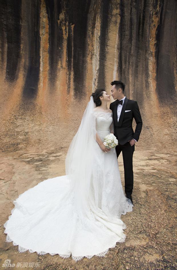 Từ Nhược Tuyên khoe ảnh cưới cá tính