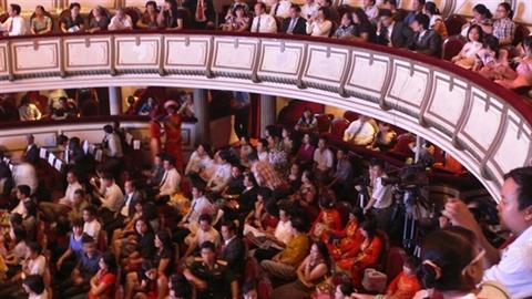 Chi 10.000 tỷ xây nhà hát: Đầu tư cho... đám cưới thuê!?