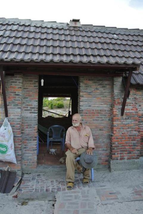 Sau nhiều năm làm việc tại Việt Nam, thay mặt cho quốc gia Đan Mạch trong trương trình trợ cấp, cặp vợ chồng Đan - Việt này đã xây biết bao nhiêu cái cầu treo, các ngôi trường trong những vùng hẻo lánh