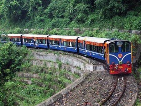 Không nên xây tuyến đường sắt khổ 1.435