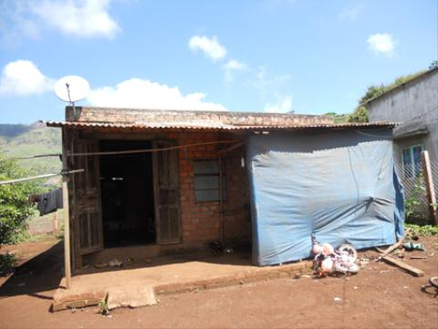 Căn nhà nhỏ của mẹ con chị Hằng đang bị gia đình chồng tranh chấp