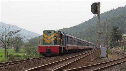 Đường sắt khổ 1m: Vì sao vội đề xuất, vội làm?