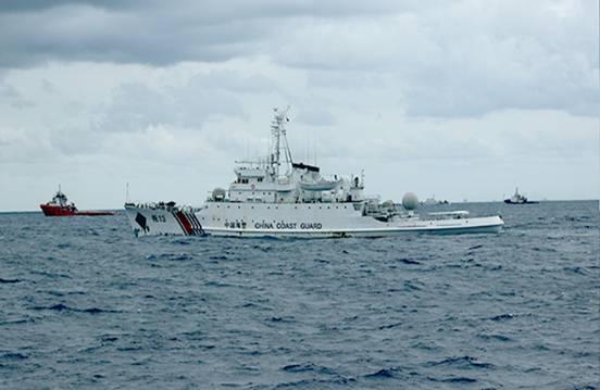 Tàu chiến trang bị 4 pháo loại 72 ly giả dạng tàu Hải cảnh Trung Quốc đang hung hăng là rất nguy hiểm cho tàu chấp pháp Việt Nam. Hãy cảnh giác để đối phó.