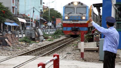 Xây đường sắt khổ 1m: 'Không thể làm lôm côm'