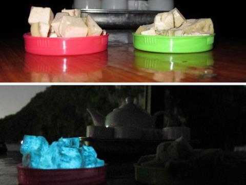 Hình ảnh miếng giò phát ánh sáng hình xanh dương