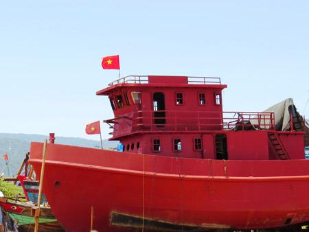 Ngoài ra, tàu Bảo Duy 09 còn có máy nén khí dùng cho thợ lặn trục vớt tàu, tài sản, vòi chữa cháy, máy thu hồi dầu dùng ứng cứu tàu cá gặp sự cố cháy nổ trên biển.