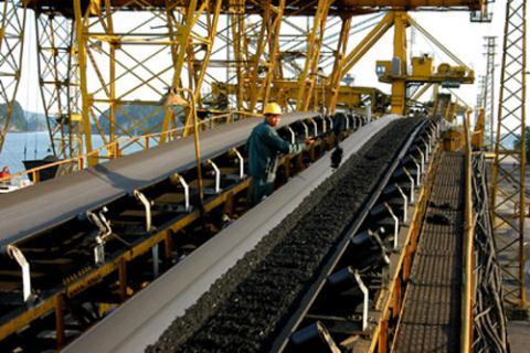 Với lý do xuất khẩu than đang không có lãi và không thể bù đắp cho giá than bán vào ngành điện. Vinacomin tiếp tục đề nghị được điều chỉnh cơ chế thuế suất thuế xuất khẩu than