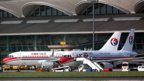 Hàng trăm chuyến bay dân sự bị ảnh hưởng vì những cuộc tập trận của Trung Quốc