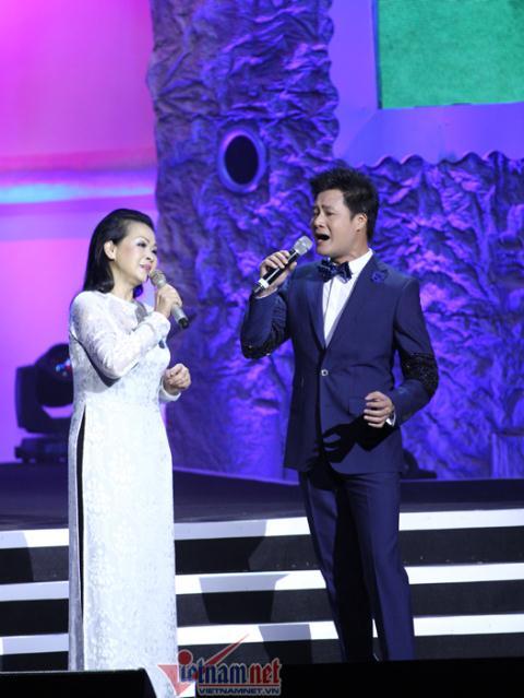 Khánh Ly và Quang Dũng trong đêm liveshow