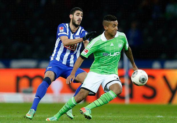 Tham vọng của Real trên TTCN chưa hết. Họ vẫn đang liên hệ để có Luis Gustavo từ Wolfsburg.