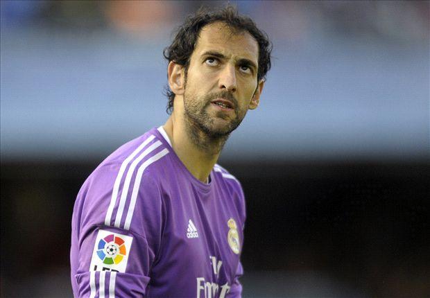 Phòng thay đồ Real không yên ổn. Thủ môn Diego Lopez vừa tuyên bố anh giỏi hơn Iker Casillas trên Goal.com.