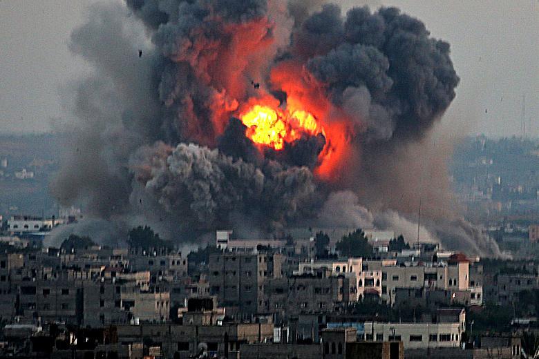 Chính phủ Anh đã quyết định xem xét lại một loạt hợp đồng quân sự, hợp tác trong lĩnh vực quốc phòng với Israel. Theo tạp chí quân sự Janes, động thái trên của London là do cuộc xung đột kéo dài giữa quân đội Israel và phong trào Hồi giáo vũ trang Hamas tại Dải Gaza thời gian qua.