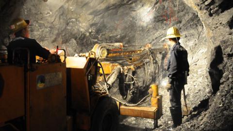Đào 7 tấn vàng kêu lỗ: Vì sao Quảng Nam không lo?