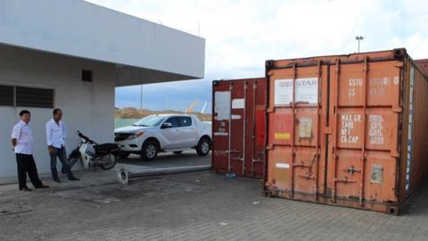 máy biến thế và dầu biến thế nhiễm PCB ở cảng Cái Lân đã được đóng trong các container