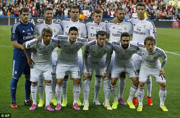 Real Madrid: (4-2-3-1). 1. Casillas miễn phí, Carvajal 5 triệu (đv bảng Anh), Pepe giá 6 triệu, S.Ramos bảng 24 triệu, Coentrao 27 triệu, Toni Kroos 20 triệu, Modric 30 triệu, Gareth Bale 85 triệu, James Rodriguez 60 triệu, C.Ronaldo 80 triệu, Benzema 28 triệu. Tổng: 364 triệu bảng