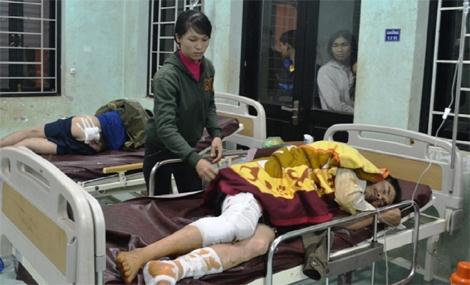 Hàng chục vết đạn chì găm chằng chịt trên người 2 anh Tuấn và Lý.