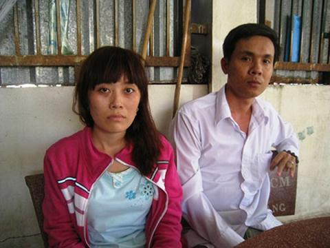 Vợ chồng chị Phiếm trình bày sự việc bị giám đốc đánh và giam lỏng
