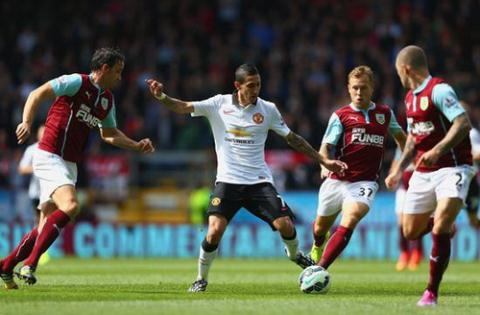 Rooney và Van Persie chơi mờ nhạt, hòa thất vọng