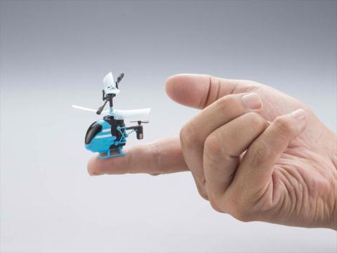 Máy bay trực thăng siêu nhỏ Pico-Falcon chỉ bé bằng đầu ngón tay