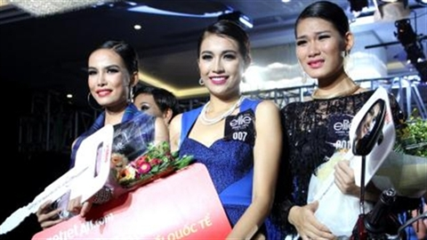 Top 3 Elite Model Look 2014 nhận giải hậu hĩnh