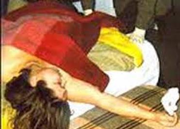 Cô gái chết lõa thể trong nhà nghỉ