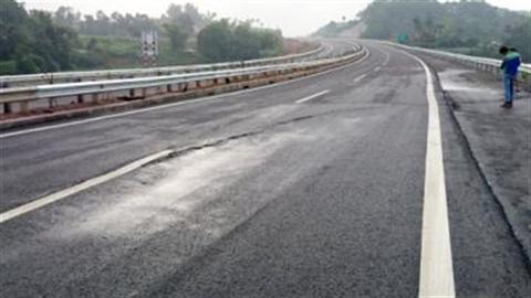 Cao tốc Nội Bài - Lào Cai nứt: VEC đã tiên lượng