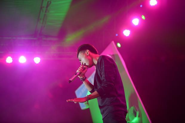Khán giả Hà Nội 'cuồng' Sơn Tùng và Noo Phước Thịnh