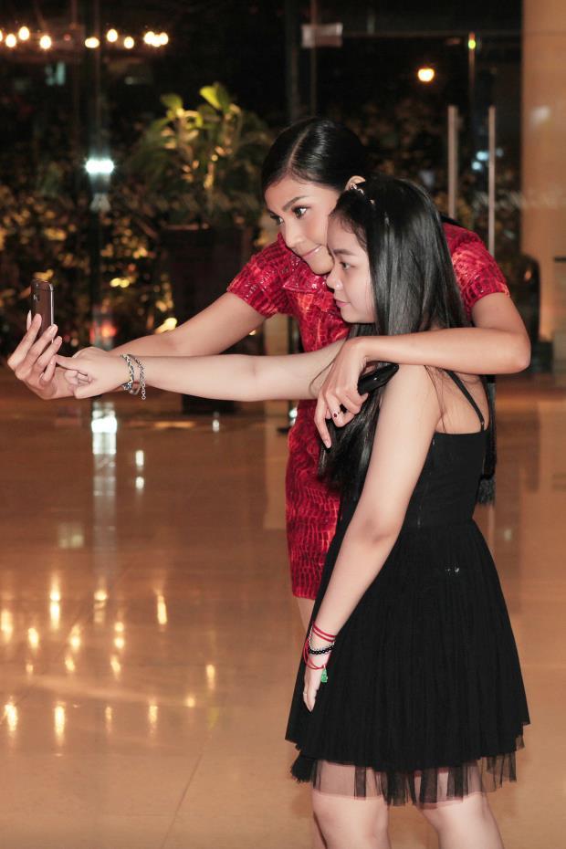 Lộ diện em gái xinh đẹp của Trương Thị May