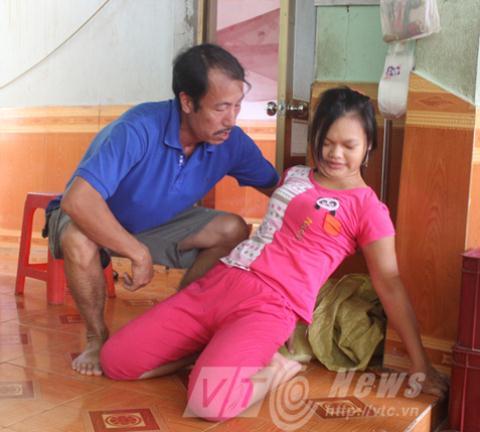 Lời giải cho cô gái đêm bình thường, ngày bại liệt