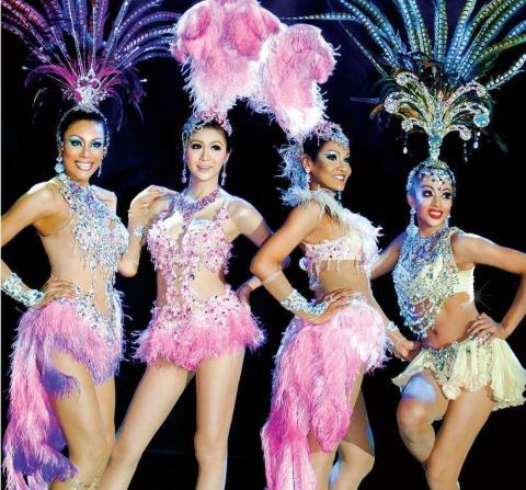 Vũ công Thái Lan tới Hà Nội trình diễn Diva Carabet show