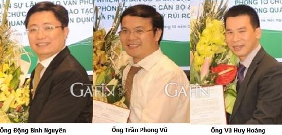 Các cán bộ vừa được Vietcombank điều động bổ nhiệm chức vụ mới tại Hội sở chính.