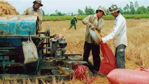 Việt Nam đang làm từ thiện cho...nước ngoài?
