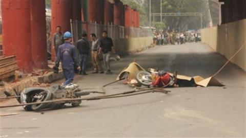 Tai nạn đường sắt trên cao: Xử lý cả người đứng đầu