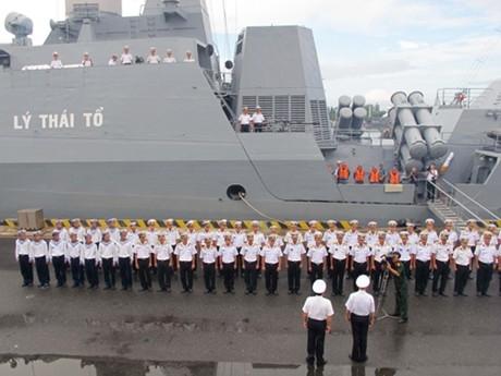 Lễ tiễn tàu HQ-011 và HQ-012 tại Quân cảng Cam Ranh chiều 5/11. Ảnh: qdnd.vn