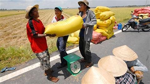 Việt Nam làm từ thiện cho nước ngoài: Đi ngược thế giới!