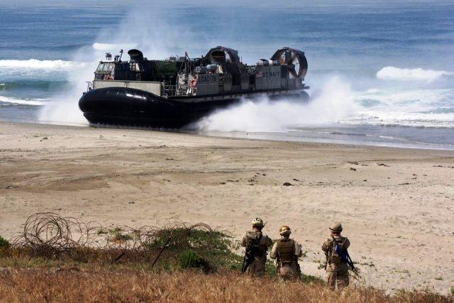 Theo hãng tin ChinaNews, ngày 8/11, hơn 4 vạn binh lính hải quân đánh bộ của Mỹ và Nhật đã bắt đầu bước vào cuộc tập trận quy mô lớn phòng thủ đảo, phỏng theo kịch bản nước Nhật bị tấn công vũ trang tại các hòn đảo xa.