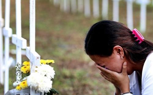 Tưởng niệm nạn nhân thiệt mạng vì cơn bão Haiyan.