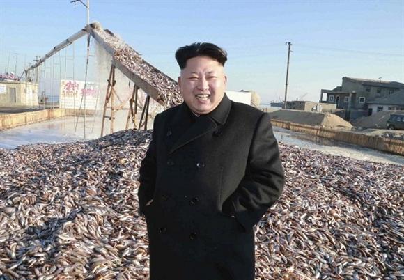 Lãnh đạo Kim Jong-un thị sát một bến cá của Quân đội Nhân dân Triều Tiên.