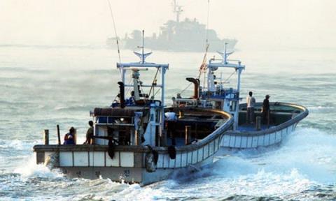 Tàu cá Trung Quốc trên biển Hoàng Hải.