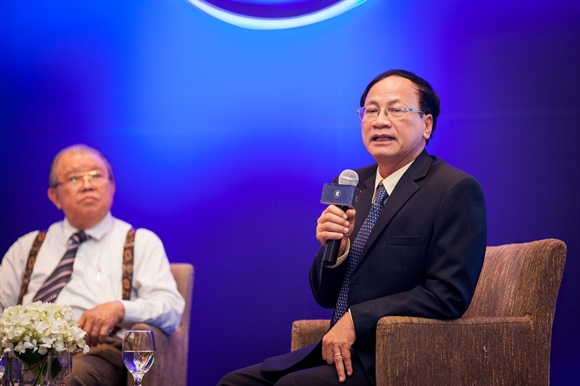 """Ông Ngô Văn Tụ, Giám đốc điều hành Vinasoy phát biểu tại Tọa đàm """"Lợi thế Việt Nam - Bắt đất hóa tiền"""" được tổ chức tại Đà Nẵng."""