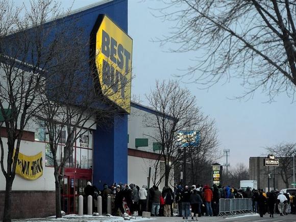 Black Friday (ngày thứ 6 cuối cùng của tháng 11) được coi là dịp để các hãng bán lẻ tung ra các chương trình khuyến mại hấp dẫn người mua, thúc đẩy doanh số.