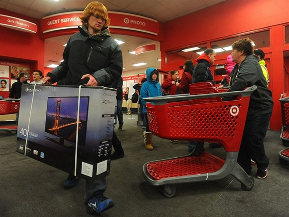Theo thống kê, doanh thu của các hãng bán lẻ trong dịp Lễ tạ ơn và Black Friday tại Mỹ đạt 12,3 tỷ USD.